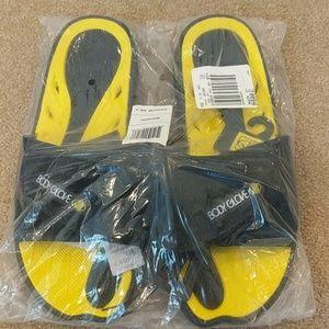 Brand new men's body glove adjustable top slides